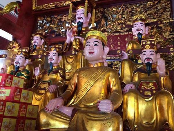 Văn khấn bài cúng tại đền ông Hoàng Mười