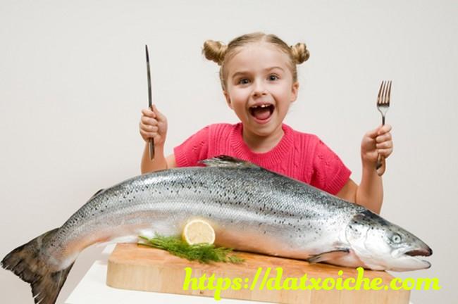 Nằm mơ thấy ăn cá đánh con gì, là điềm gì?